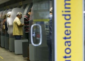 Bancos fecham no feriado antecipado, mas mantêm prazo de contas