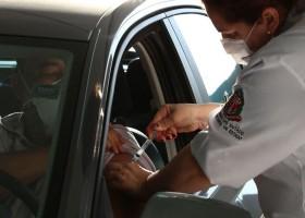 Covid-19: Ministério anuncia vacinação para trabalhadores da educação