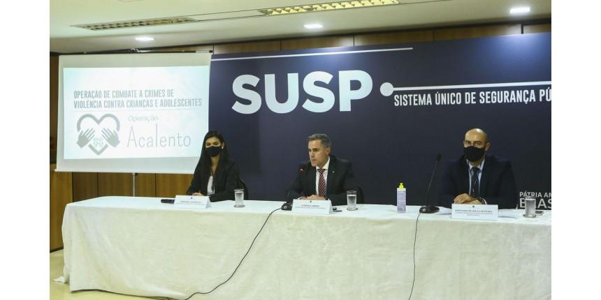 Presas 884 pessoas em operação que combate crimes contra crianças