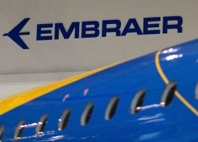 Venda de aviões impulsiona ações da Embraer na Bolsa de Valores